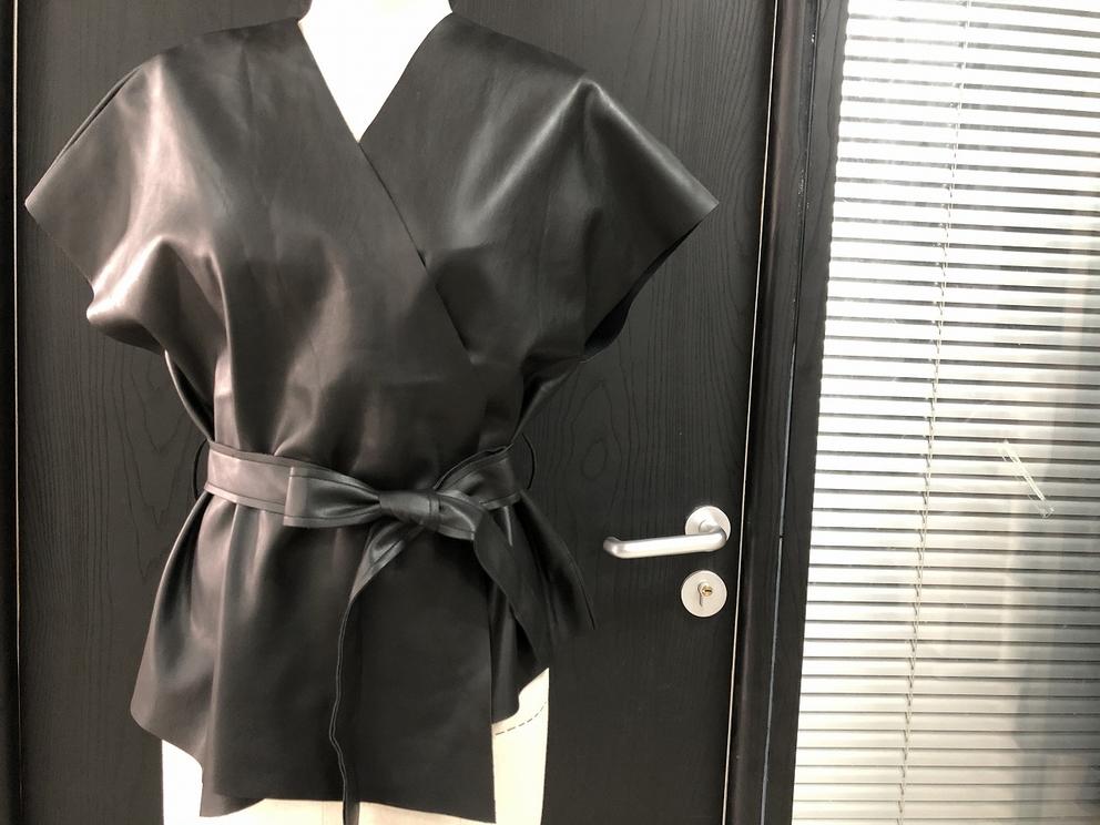 Women fashion sleeveless jacket in PU fabric